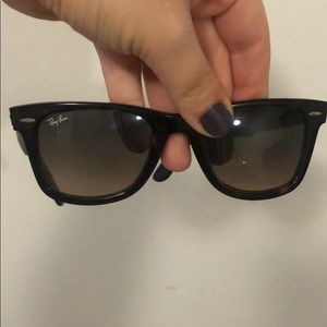 Authentic raybans! Barely worn